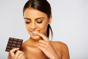 Here's How a Chocolate Body Scrub Will Brighten Your Skin - Sweet Cosmetics - Cocoage Cosmetics